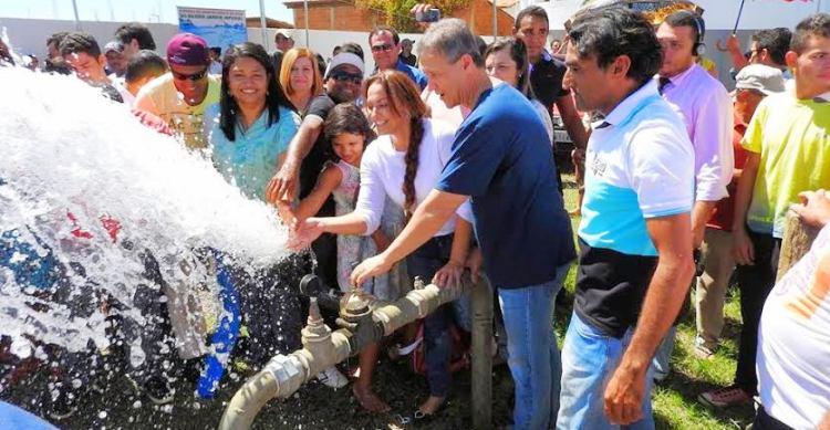 Com a prefeita Damião, em Bom Jesus das Selva: água