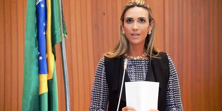 Andrea Murad critica desmonte da internet grátis no governo Dino