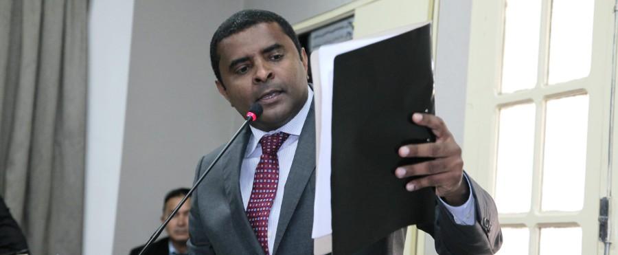 Sem se esconder das questões, Câmara mostra novo perfil ao PMDB