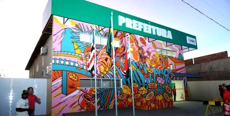 Fachada da prefeitura ganhou técnicas de grafite: modernidade