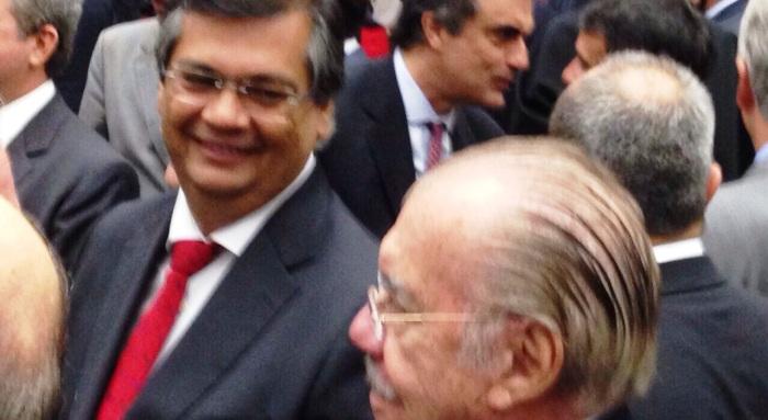 Sarney assediado por Flávio Dino: o ex-presidente ainda é uma referência política
