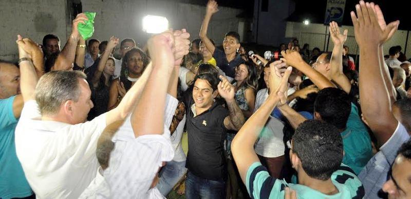Luis Fernando recebido pela juventude de Ribamar