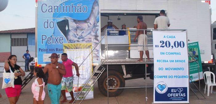 O caminhão do peixe está em várias comunidades