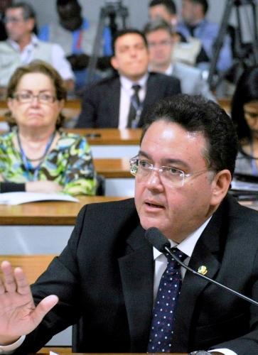 Rocha: nem conversa com Eliziane, nem projeto para 2018