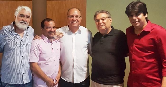 Severino com sus candidatos a vereador: em busca de aliança viável