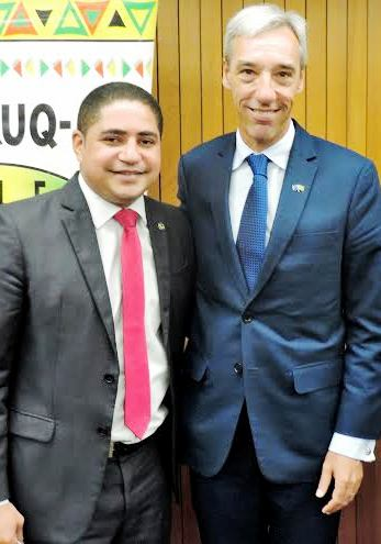 Zé Inácio com o embaixador