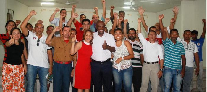 Eliziane Gama com policiais militares e evangélcios: história de lutas desde o início da carreira política