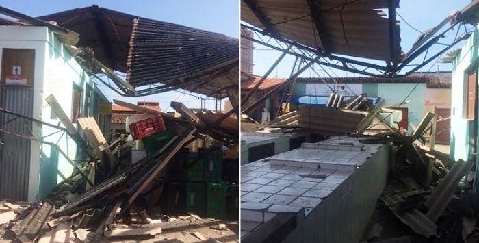 Estado em qeu ficou a feira após desabamento do telhado
