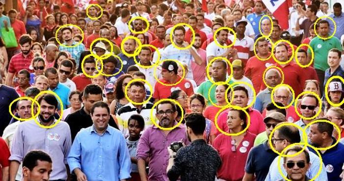 A primeira cvaminhada foi na Filaho; observe Pedro Lucas, os assessores do prefeito e os barbudos da campanha