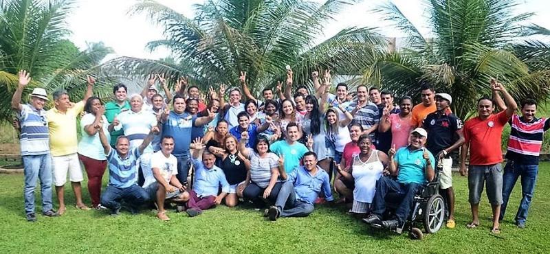 Filuca com as lideranças que debateram o plano de governo para Pinheiro