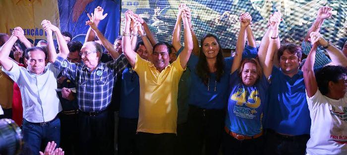 Josemar com os líderes do PSDB em Paço: força política...