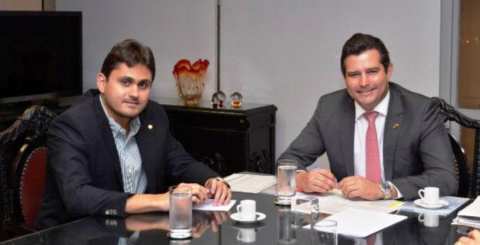 Juscelino Filho com o ministro: recursos para a BR-135