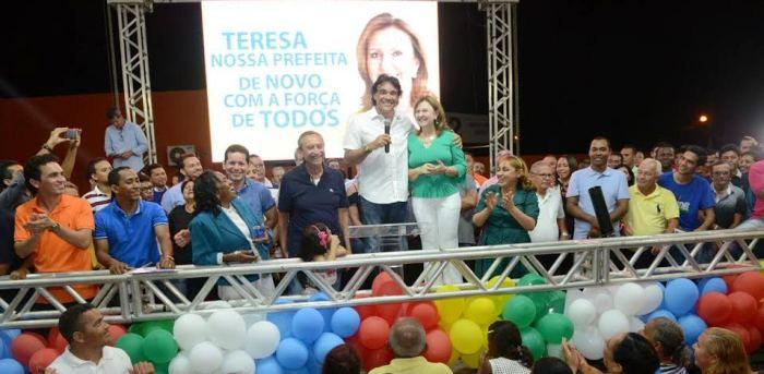 Lobão Filho pediu votos para Teresa...