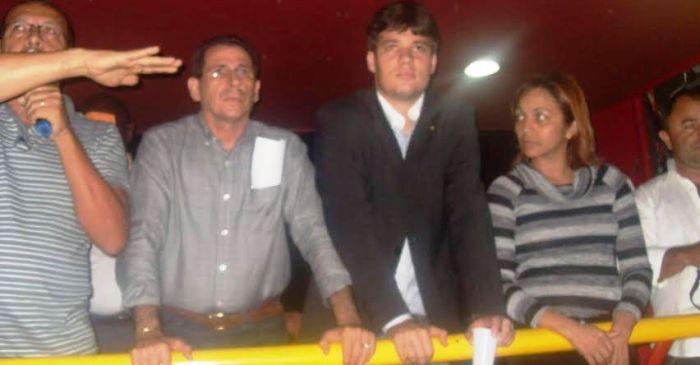 Ao lado dos ex-colegas Zé Carlos e Neto Evangelista, em defesa da Polícia Militar