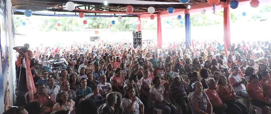 A multidão que foi ao vento prestigiar a candidatura do prefeito pedetista