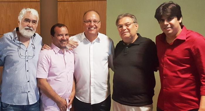 Severino Sales e seus candidatos a vereador: peso de mais para qualquer chapa...