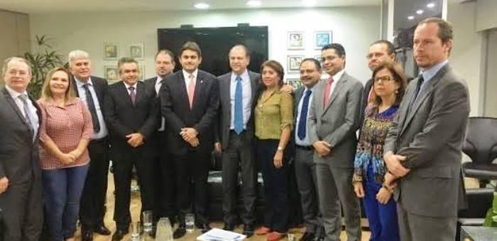 ...após reunir-se com membros da bancada federal e do Governo do Estado, em Brasília