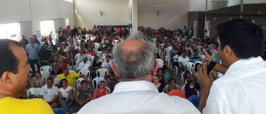 Com Chaguinhas no São Cristovão: centenas de pessoas apresentadas ao candidato do PP
