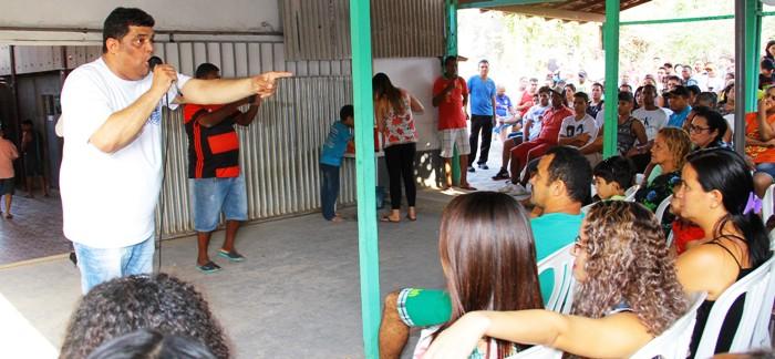 Carioca fala aos eleitores da área Itaqui-Bacanga