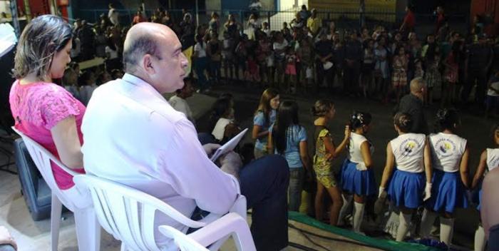 Ribamar Alves e Luana Alves acompanharam a passagem das escolas