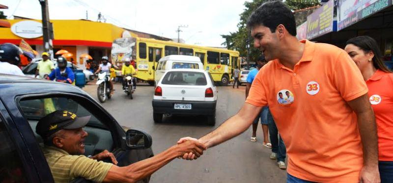 Eduardo passou a ser cumprimentado nas ruas após performance no debate da TV Guará