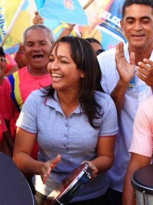 Com campanha alegre, Eliziane evita a abusiva guerra entre os adversários