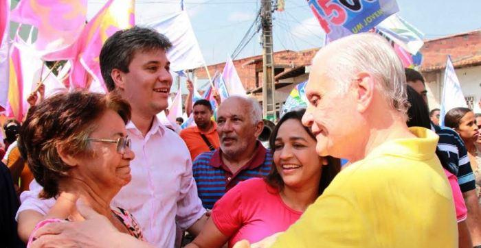O vice José Joaquim também recebe a atenção dos eleitores mais experientes....