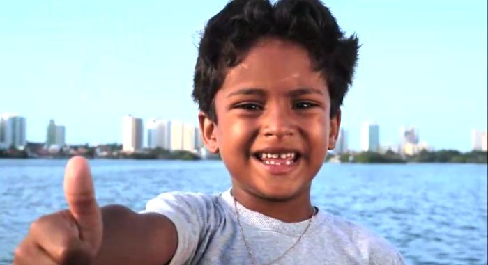 """O garoto sucesso no horário eleitoral; """"tio Fábio éé 15!!!""""..."""