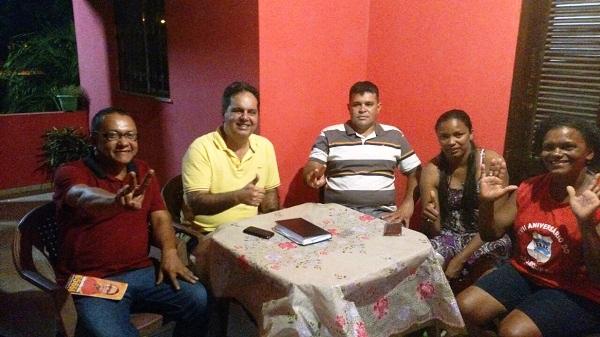 Gilberto com os comunistas que vão seguir com ele