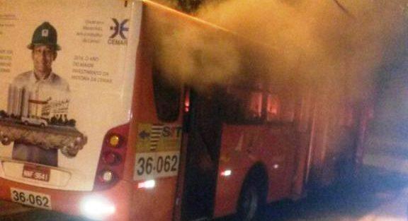 ônibus incendiado no Vinhais: crime sem controle