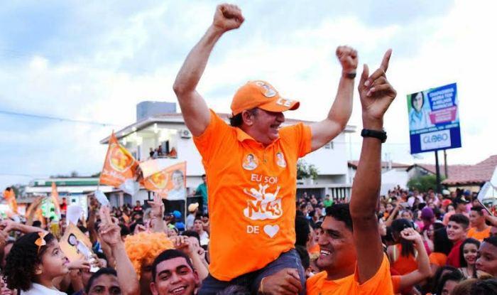 Bacelar comemora com o povo destaque na eleição
