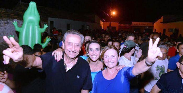 A deputada com os pais, Ricardo e Teresa Murad