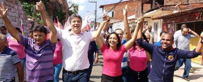 Com Neto Evangelista e candidatos da coligação: forte presença no bairro