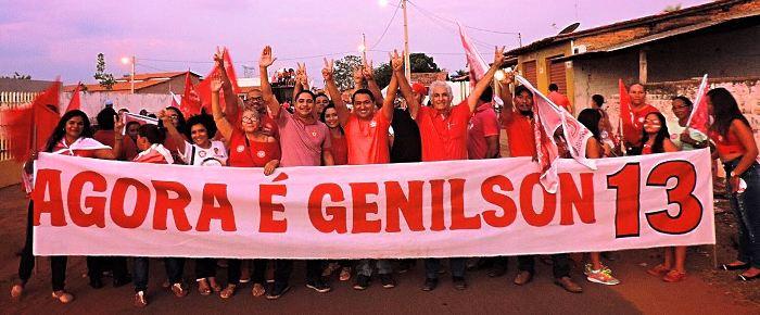 Com Genilson Alves, também em campanha com militantes petistas