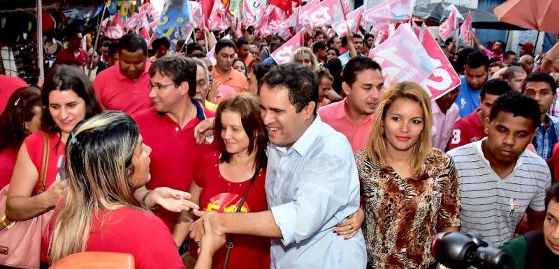Edivaldo voltou à Rua Grande para dar início à campanha no segundo turno