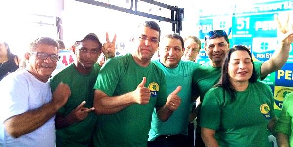 Marcial Lima com Jota Pinto e seus companheiros do PEN; vitória partidária em São Luís