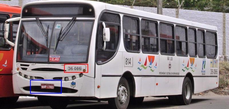 O ônibus na garagem da Primor, já desativado para uso em São Luís