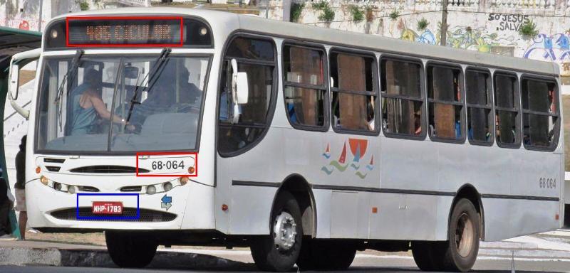 O mesmo ônibus, já com o código da São Benedito, rodando na linha Circular...