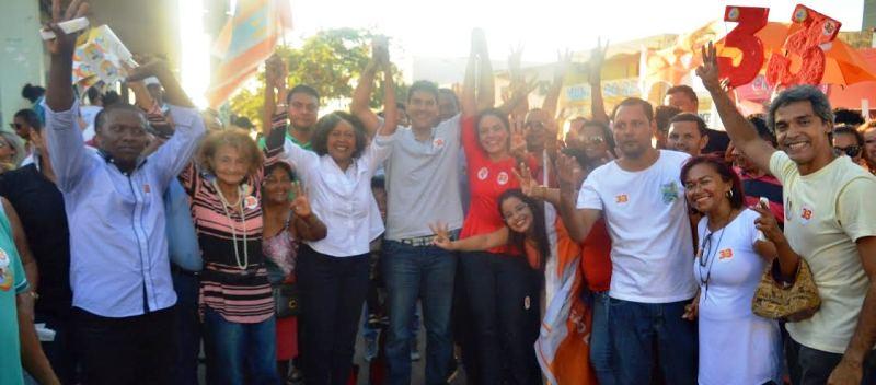 Rose Sales com Eduardo Braide na Cidade Operária: apoio em nome do compro0misso com São Luís